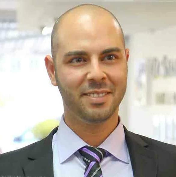 התמונה של אמיר נריה ציון. מקדם עסקים באינטרנט