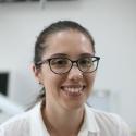 התמונה של דוקטור זנה זמבל. רופאי שיניים שרואים בגובה העיניים
